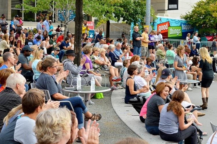 artprize-grand-rapids-mi-crowd-people